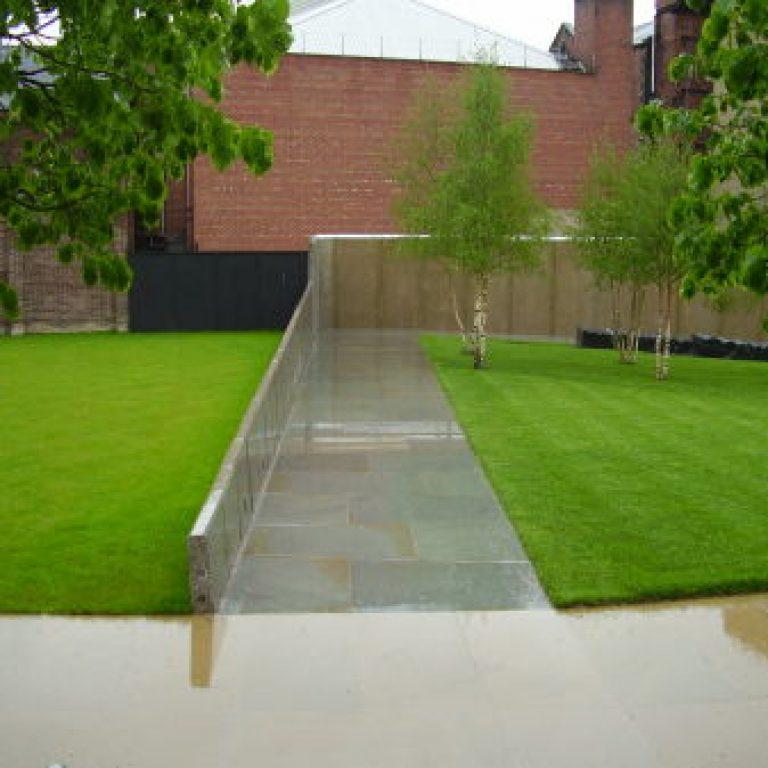 Mandela Gardens, Barnsley